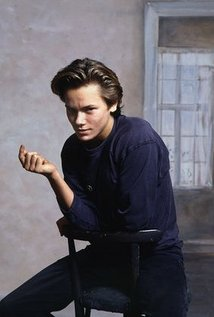 riverphoenix.jpg